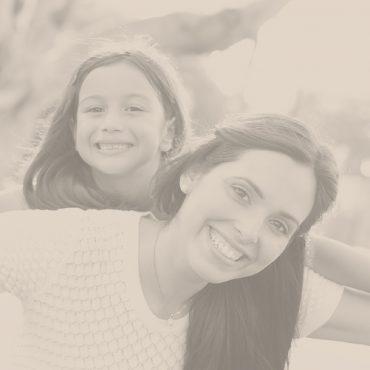 Psicoterapia individual de crianças, de adolescentes e de adultos.